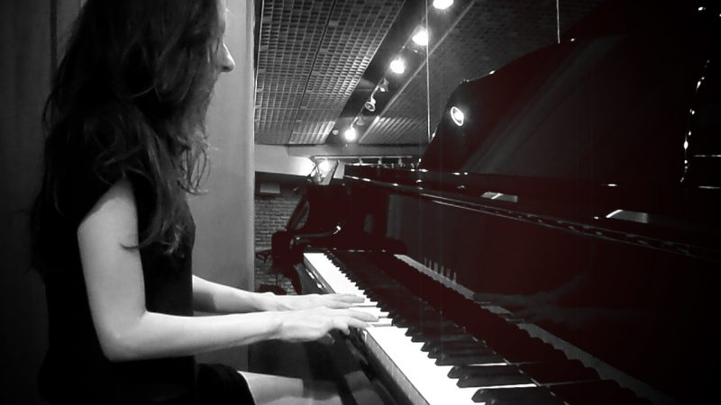 Oh. aka Olivia Hadjiioannou - Studio -- Piano