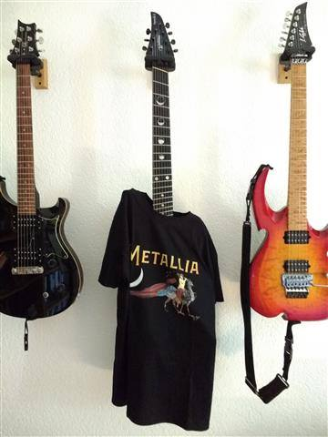 Oh. Fan Photos Metallia T-shirt - Olivia Hadjiioannou
