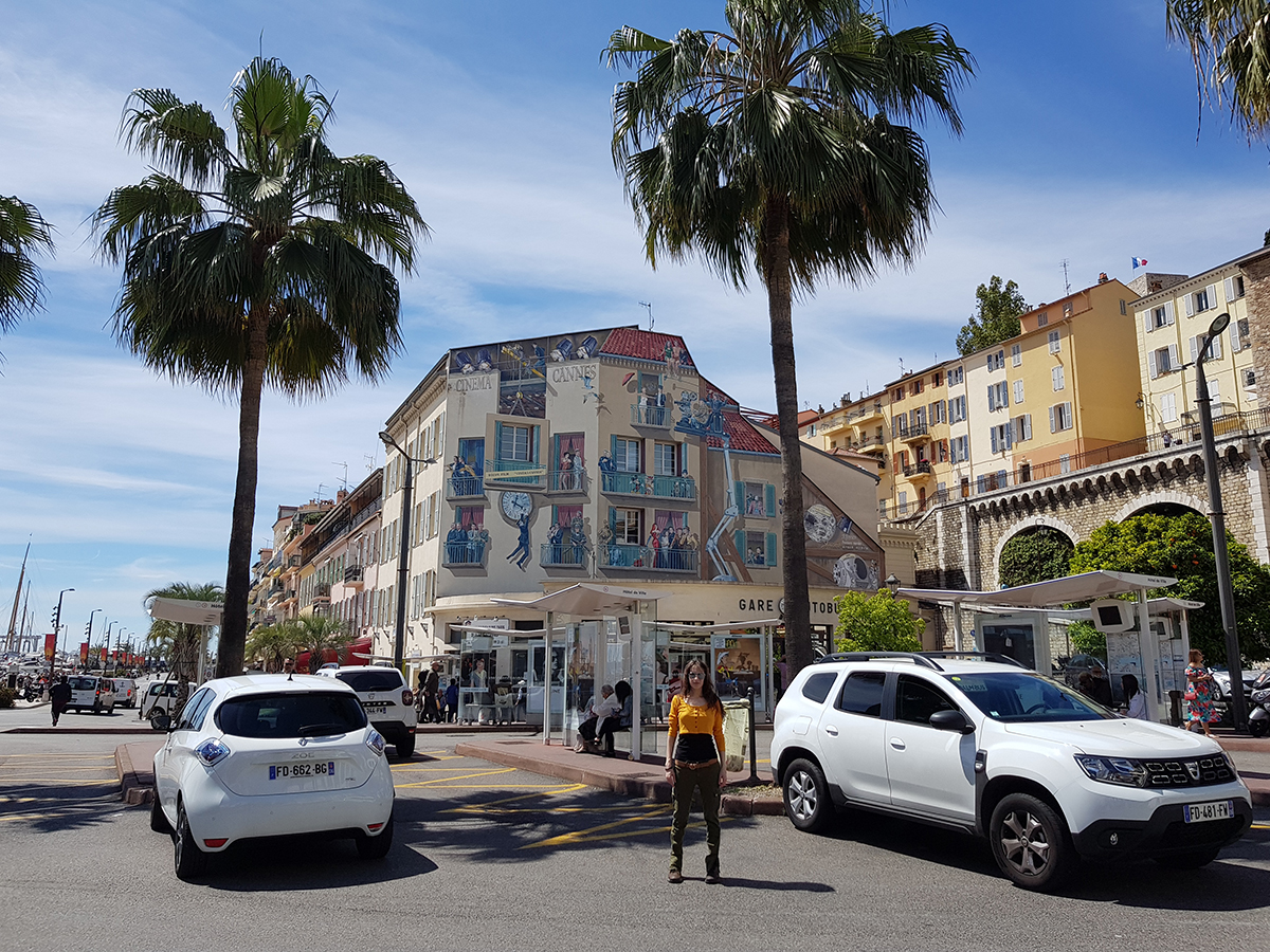 Gare de Cannes-La Bocca Oh. (Olivia Hadjiioannou) in Cannes during the Festival de Cannes 2019 (Cannes Film Festival) #Cannes2019 #ruedeantibes #cannes #france